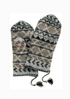 Mittens In Scandinavian Style pattern Knitted Mittens Pattern, Crochet Mittens, Fingerless Mittens, Knitted Gloves, Knitting Socks, Knit Crochet, Knit Socks, Wrist Warmers, Hand Warmers