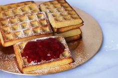 Dagen frokost i Bakkely var så god at den må blogges tvert!Det er lenge siden jeg har brukt vafle...