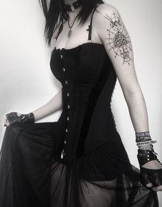 The perfect darkness Dark Fashion, Gothic Fashion, Fashion Beauty, Alternative Outfits, Alternative Fashion, Gothic Aesthetic, Aesthetic Black, Goth Subculture, Unique Costumes