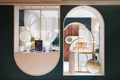 golden arch details adorn tianhua yizhu's grace generation fine jewelry store in shanghai Shop Interior Design, Cafe Design, Layout Design, Jewellery Shop Design, Luxury Store, Retail Store Design, Art Deco, Retail Interior, Boutique Design
