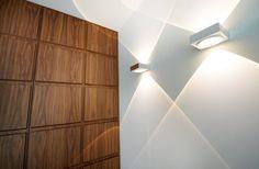Warme materialen in lichte ruimte