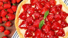 Strawberry Mascarpone Pizza