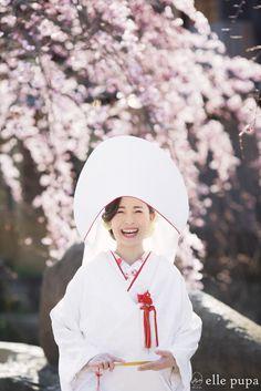 Wedding Kimono, Wedding Dresses, Traditional Wedding Attire, Japanese Wedding, Kimono Fashion, Photo Poses, Fashion Photo, Wedding Photos, Kimono Style