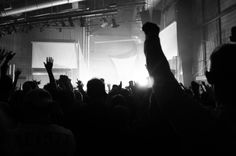 5 Tips to Filling an Out-of-Town Music Club with Fans