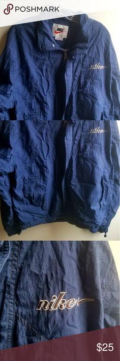 newest d73b2 1e1c6 NIKE mens Windbreaker L NIKE mens Windbreaker L Nike Jackets  Coats  Windbreakers