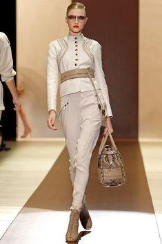 Gucci Spring 2011 Ready-to-Wear Fashion Show - Vlada Roslyakova