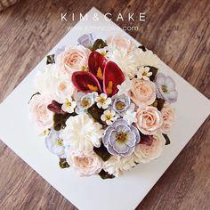 💐💐#bakingclass#buttercream#cake#baking#wiltoncakes#weddingcake#버터크림케이크#wilton#flowers#buttercake#플라워케이크#wedding#버터크림플라워케이크#specialcake#birthdaycake#flower#buttercreamcake#rose#partycake#cupcake#dessert#food#beautiful#부케#bouquet#instacake#꽃스타그램#flowercake#cakedesign#peony @yoon2222222