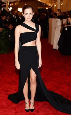 pHermioneno more! The actress looked sexy in a silk crepe Prabal Gurung satin gown that featured cutouts and a thigh high slit. Her black pumps and Fred Leighton earrings completed her sexy attire./p