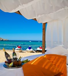 A Promotional #Holiday is our way of showcasing our resort, boasting about our #fantastic products and giving holiday makers a TASTER of what it would be like to be part of an exclusive #Vacation Club for MUCH LESS than you would pay for a week in a 5 #star resort.
