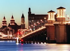 Christmas always makes me miss the Oldest City - Nights of Lights in St. Augustine - magical.