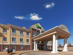 Hereford (TX) Holiday Inn Express Hereford United States, North America Holiday Inn Express Hereford is perfectly located for both business and leisure guests in Hereford (TX). The hotel offers a high standard of service and amenities to suit the individual needs of all travelers. Take advantage of the hotel's free Wi-Fi in all rooms, 24-hour front desk, facilities for disabled guests, express check-in/check-out, room service. Whirlpool bathtub, non smoking rooms, air conditio...