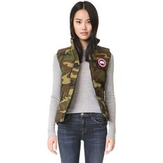 Canada Goose Canada Goose Freestyle Vest - Classic Camo (23,480 INR) ❤ liked on Polyvore featuring outerwear, vests, canada goose, camo vest, canada goose vest, camouflage vest and quilted vest