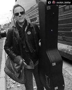 Michael Chiklis, Kiefer Sutherland, Famous People, Hollywood, Actors, Guys, Muffin, Guitars, Anna