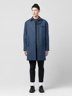 Our interpretation of the classic Mackintosh coat, Lee is made from WWII-reissue twill updated through waterproof bonding technology. Lee features a removable snap-out thermal-quilted body liner, snap-off throat latch tab and zero-snap closure.