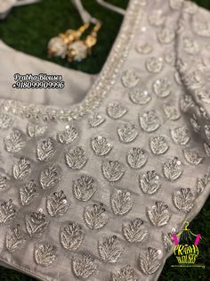 Hand Work Blouse Design, Simple Blouse Designs, Stylish Blouse Design, Fancy Blouse Designs, Blouse Neck Designs, Wedding Saree Blouse Designs, Maggam Work Designs, Designer Blouse Patterns, Hand Embroidery Designs