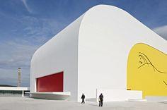Internazionale » Gli spazi di Niemeyer