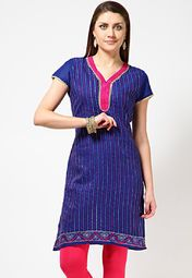 A blue coloured kurta for women from Anahi. Made from Jacquard fabric, this embroidered kurta comes in regular fit. It features a thigh length, short sleeves and a V-neck.