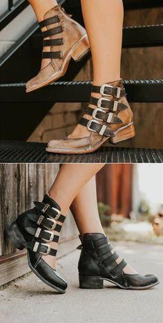 Back-zip Heel Sandals Retro Style Low Heel Sandals Unique Shoes, Cute Shoes, Me Too Shoes, Low Heel Sandals, Low Heels, Shoes Sandals, Shoe Boots, Ankle Boots, Bootie Boots