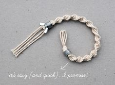 macramé: half knot spiral bracelet. Perfect for the pre-teens and teens in your life. This would be a fun craft for a birthday party.