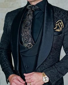 Buy it before it ends. There is always many products on sae upto - SZMANLIZI Mens Wedding Suits 2019 Italian Design Custom Made Black Smoking Tuxedo Jacket 3 Piece Groom Terno Suits For Men - eTrendings Men Smoking, Traje Casual, Casual Wear, Casual Outfits, Prom Tuxedo, Black Tuxedo Wedding, Green Wedding Suit, Mode Costume, Men Wear