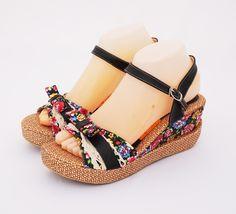 Sandal wedges flower brokat.  Elegan cantik.  Warna hitam. Heels 7 cm.  Bahan kanvas dan kulit sintetis  Visit: www.qiblacorner.com, or www.facebook.com/webqiblacorner
