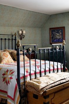 'Alice' Wallpaper with Orange Curtains - Bedroom Decorating Ideas - Design (houseandgarden.co.uk)