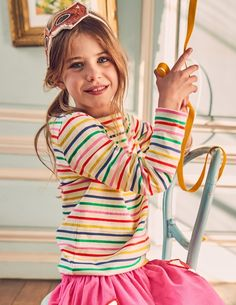 You can rely on this classic Breton tee whatever the weather. With four exciting colours to choose from and heavier cotton to keep its shape, you can wear one every day if you want to. The bright and beautiful rainbow stripes are perfect for popping under your favourite dungarees.