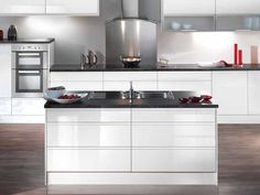 White Gloss Kitchen Idea Black Stone Worktops