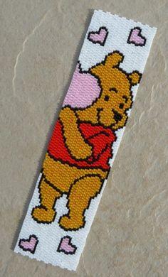 marque page winnie lourson Seed Bead Patterns, Peyote Patterns, Beading Patterns, Cross Stitch Patterns, Beaded Bookmarks, Cross Stitch Bookmarks, Cross Stitch Books, Bead Loom Bracelets, Beaded Bracelet Patterns