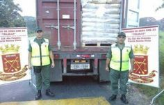 Informó a través de su cuenta en la red social Twitter, @vladimirpadrino / Efectivos de la Zona Operativa de Defensa Integral (Zodi) en Zulia interceptaron este sábado cuatro cisternas que transportaban 48.000 litros de aceite de palma cruda Caracas, 21 diciembre de 2014. Por inconsistencias en la documentación, 72 toneladas de leche fueron incautadas este …