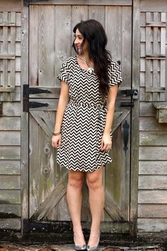 Super cute dress, love that it comes with a built in belt, I never know how to wear a belt.  Love the chevron pattern can definitely go from winter to spring.