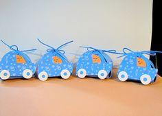 Originales porta-chuches para los mas pequeños en la celebración de su bautizo hecho en goma eva.