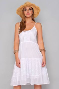 Swans Style is the top online fashion store for women. Shop sexy club dresses, jeans, shoes, bodysuits, skirts and more. Little White Dresses, Lovely Dresses, Club Dresses, Casual Dresses, Curvy Girl Fashion, Summer Fashion Outfits, Affordable Fashion, Weeding Dress, Clothes