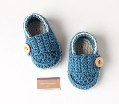 Baby booties crochet loafers blue and ivory by Ohprettypretty