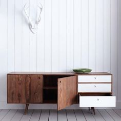 Jeyo Low Sideboard