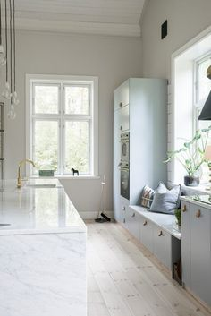 Kitchen marble brass grey