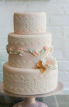 To see more amazing wedding cakes: http://www.modwedding.com/2014/11/01/utterly-speechless-romantic-wedding-cakes/ #wedding #weddings #wedding_cake cake: Erica O'Brien Cake Design