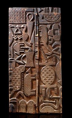 Africa I Door from the Nupe people of Nigeria I Light brown wood with dark brown patina I A work of Sakiwa the younger, from Lapai Cool Doors, Unique Doors, Entrance Doors, Doorway, Afrique Art, Art Premier, Brown Wood, Dark Brown, Door Knockers