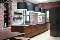 Per la cucina pareti di mattoni a vista!