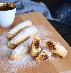 Μπουρέκια με κολοκύθα και σταφίδες - από την Σαλαμίνα | Pandespani Cookie Recipes, Deserts, Appetizers, Bread, Cookies, Ethnic Recipes, Sweet, Foods, Greece