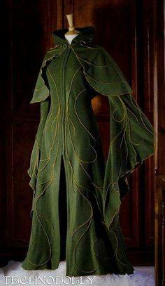 Vestido elfico con capa