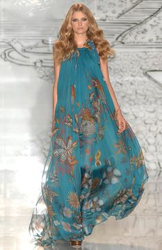 Bohemian Gypsy Style / karen cox.  ☮ Gucci, could it pass for a beach theme wedding dress??!!