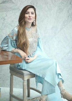 Fancy Dress Design, Stylish Dress Designs, Designs For Dresses, Stylish Dresses, Simple Dresses, Beautiful Dresses, Fashion Dresses, Beautiful Bride, Simple Pakistani Dresses