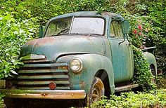 Old truck for a flower bed! <3