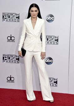 Jessie J at the 2014 American Music Awards Pantsuits For Women, Jumpsuits For Women, White Fashion, Indian Fashion, American Music Awards 2014, Business Casual Womens Fashion, Professional Attire, Women's Summer Fashion, Beautiful Gowns