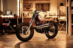 Ton Up: XL 250 Scrambler | Garagem Cafe Racer