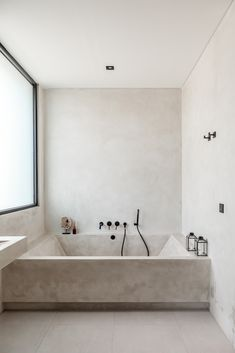 Villa Aiko - East meets West   Bali Interiors Dream Home Design, House Design, Estilo Interior, Bathroom Interior Design, Modern Bathroom, Minimal Bathroom, Interior Architecture, New Homes, House Styles