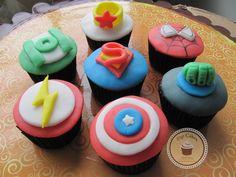 Cupcakes Top Cakes - Liga da Justiça https://www.facebook.com/danielletopcakes