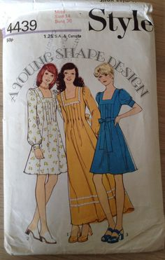 Hey, I found this really awesome Etsy listing at https://www.etsy.com/au/listing/387409350/vintage-1970s-sewing-pattern-style-4439