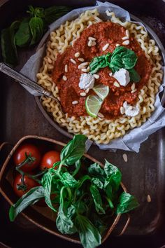 10 ingredient pasta that is plant-based, healthy and easy to make it. A mix of savoury, sweet and creamy - perfect for a satisfying everyday meal!
